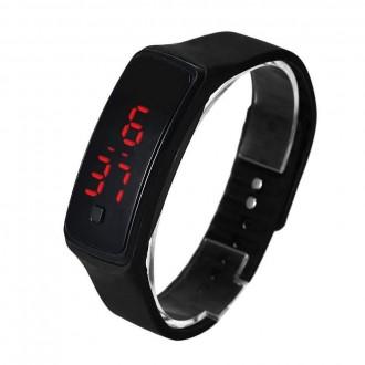 Hodinky - Sportovní digitální hodinky - černé